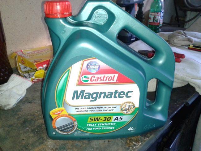 Моторное масло Castrol Magnatec для Хендай Солярис