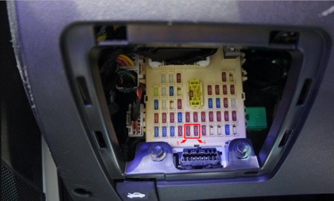 Панель предохранителей в автомобиле Хёндай Солярис