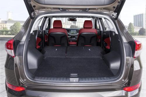 Хёндай Туссан 2017 года багажник задний ряд сложен