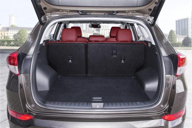 Багажник Хёндай Туссан сидения не разложены
