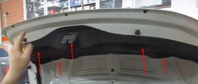 Обшивка двери багажника на Хёндай Солярис