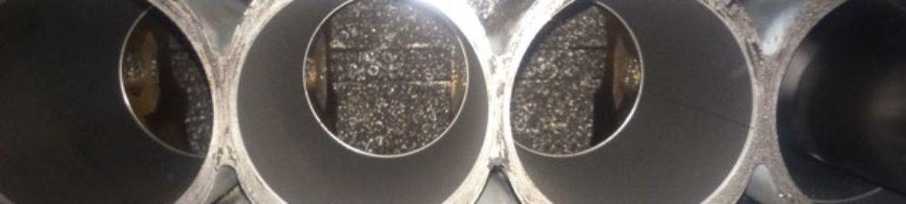 Новый поршень и двигатель Хёндай Солярис в процессе ремонта
