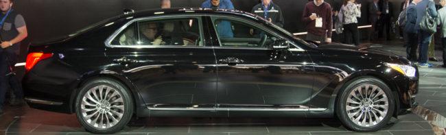 Хёндай Генезис 2017 года в новом кузове вид сбоку