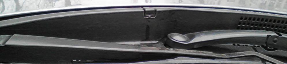 Осмотр форсунки омывателя лобового стекла на Хёндай Солярис