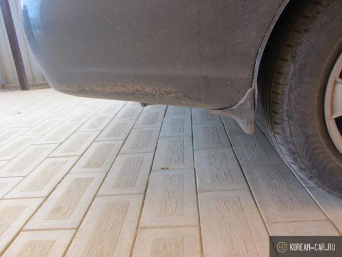 Клиренс задней части автомобиля Хёндай Акцент