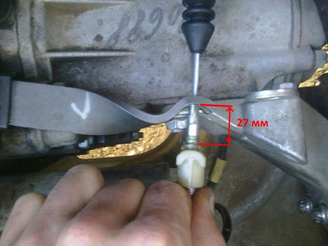 Регулировка троса сцепления на автомобиле Лада Калина с приоровским мотором