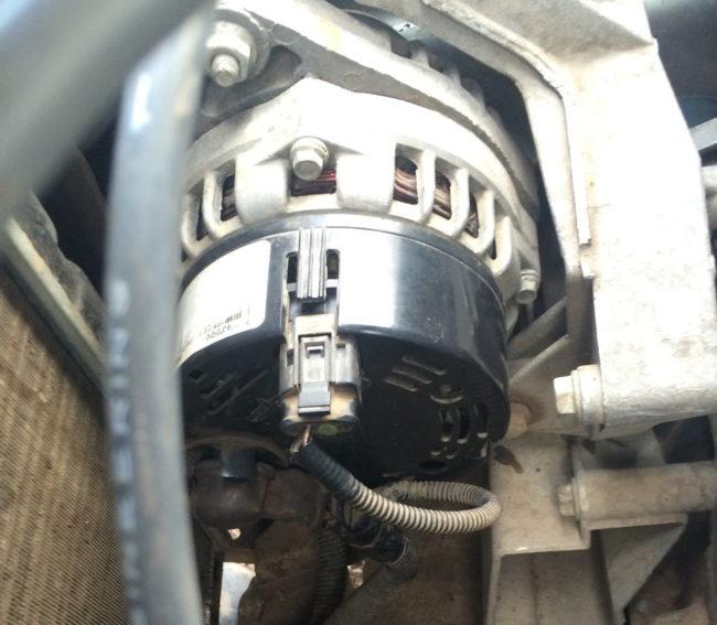 Генератор на двигателе восьмиклапанной Калины после замены реле регулятора напряжения