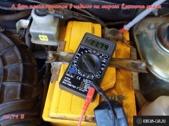 Низкое напряжение на клеммах АКБ из-за перезаряда при неверно работающем реле регуляторе напряжения на Лада Калина напряжение 11,7 В