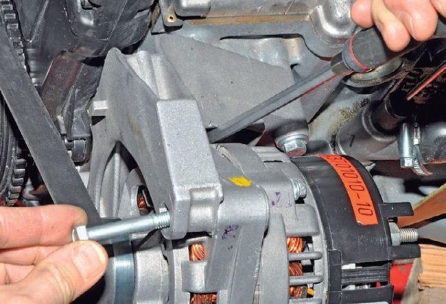 Снятие своими руками генератора без натяжителя с двигателя Лада Калины