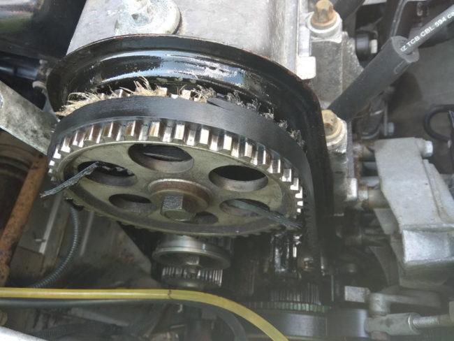 Критический износ ремня ГРМ на Лада Калине с 8-клапанным мотором