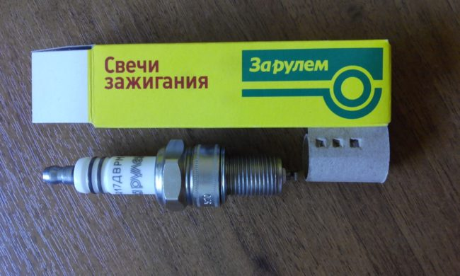 Свеча зажигания А27ДМРВ для Лада Калины саратовского производства