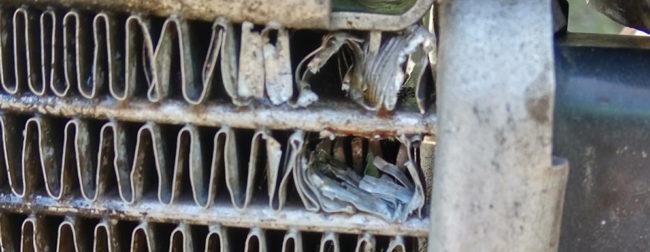 Пробитые соты радиатора охлаждения на Лада Калина