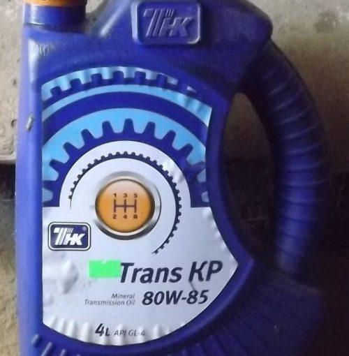 Минеральной масло от компании ТНК для коробки передач в Лада калине первого поколения