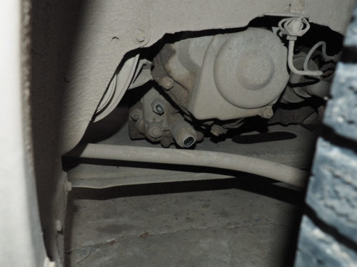 Разъем на соленоиде задней передачи в коробке передач на Лада Калине