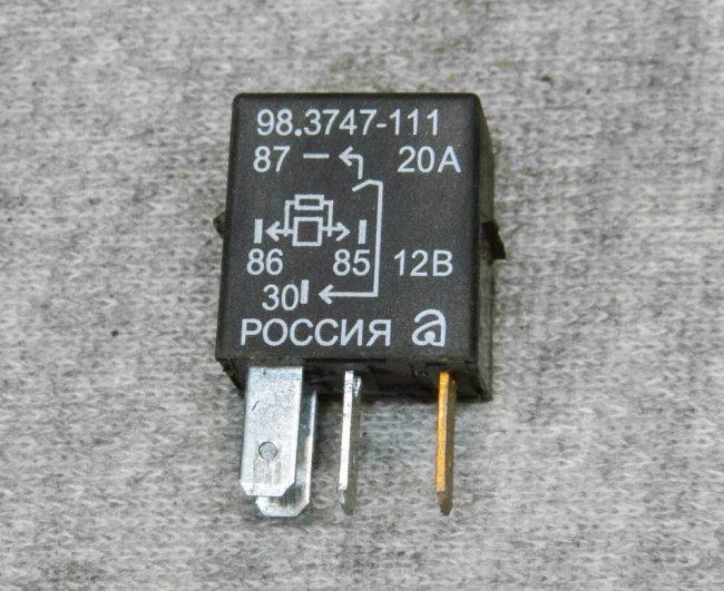 Реле бензонасоса старый артикул 98.3747-111 на 8 клапанный ВАЗ-2110